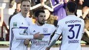Anderlecht, à 10 durant 30 minutes, inflige à Courtrai sa première défaite à domicile