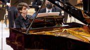Retrouvez le premier jour de la finale du Concours Reine Elisabeth avec Vitaly Starikov, en replay