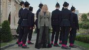 """Ellie Goulding s'envole pour Budapest dans son nouveau clip """"Close To Me"""""""