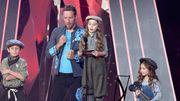 Mignon et drôle: une petite fille prononce les remerciements de Coldplay