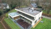 Habitation résolument contemporaine dans un lotissement des années 60'