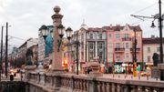A Saint-Pétersbourg, les entrées d'immeubles d'époque font la joie des curieux