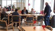 La cafétéria de la maison de repos décorée au rythme des mois et des fêtes saisonnières.