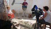 L'équipe de C'est du Belge interviewe Agnès Goffart dans une ferme des montagnes marocaines