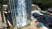 Chine: un gratte-ciel improbable... avec cascade intégrée