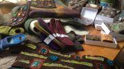 Marie Ghyssens transforme la laine en feutre pour réaliser des sacs, chaussons ou bracelets