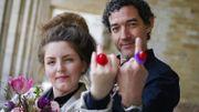 Mariage symbolique des auteurs Lize Spit et Thomas Gunzig pour rapprocher les littératures du pays
