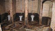 Les installations sanitaires, l'éclairage... tout est encore en relativement bon état.
