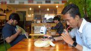 """Au Cambodge, un café à reptiles pour apprivoiser ces animaux """"incompris"""""""