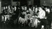 Des féministes protestent au conseil communal de Malines contre les inégalités qui subsistent dans le mariage, 1971.