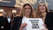 Cannes 2014 - Salma Hayek et Julie Gayet se mobilisent pour les lycéennes enlevées au Nigeria