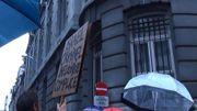 Les manifestants interpellent les autorités belges