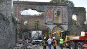 En 2013, un accident spectaculaire avait provoqué l'effondrement partiel des arcades. Il avait fallu démonter le reste de la façade est ainsi qu'une grande partie de la façade ouest qui était aussi fragilisée.