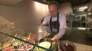 Christophe Barbier a décidé de garder son restaurant ouvert pendant le confinement. Il s'est lancé dans les livraisons.