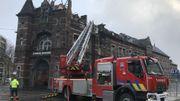 Les dégâts sont importants. Mais la façade, qui est classée, semble avoir été  préservée.
