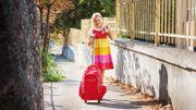 Une étude révèle le poids maximal du cartable à roulettes des écoliers