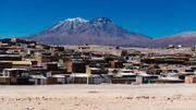 """Des villages """"du bout du monde"""" installés dans les rares oasis ou au pied des volcans"""