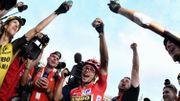 Jakobsen s'impose à Madrid, Roglic remporte son premier grand Tour
