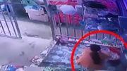 Vidéo insolite: une vaisselle sauve une femme poursuivie par la police