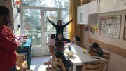 Le repas de midi dans l'un des appartements de Notre Abri