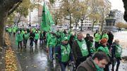 Les militants de la CSC défilent boulevard d'Avroy