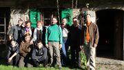 On prépare le printemps au château de Chimay en plantant des bulbes