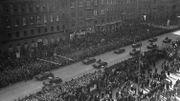 Les troupes nazies entrent à Vienne. L'Anschluss de 1938 a inspiré Hergé.