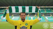 Bailly lors de sa présentation au Celtic