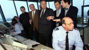 José Happart, Michel Lebrun, Robert Collignon, Michel Forêt et Luc Patroune lors de l'inauguration de la tour de contrôle de l'aéroport de Liège, le 8 décembre 98