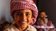 De nombreuses familles bédouines sillonnent le désert d'Oman avec leurs troupeaux de chameaux et de chèvres.