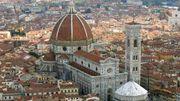 Coronavirus : dans la cathédrale de Florence, un collier de distanciation pour les touristes