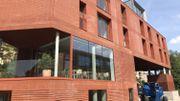 Les briques très rouges et la couleur terracotta qui domine la décoration intérieure forment l'identité du gîte Mozaïk.
