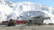 L'armée soviétique a laissé derrière elle des chars, des camions, des hélicoptères...