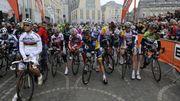 Les coureurs au départ de Liège-Bastogne-Liège 2013