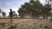 Un groupe de soldats de l'armée française patrouille dans la forêt de Tofa Gala lors de l'opération Bourgou IV dans la région du Sahel au nord du Burkina Faso le 9 novembre 2019. C'est la première fois que l'armée française, les armées nationales et la force multinationale du G5 Sahel (Mali, Burkina Faso, Niger, Mauritanie et Tchad) travaillent officiellement ensemble sur le terrain. La mission des 1400 soldats de cette opération Bourgou IV (dont 600 des 4500 soldats français de la force Barkhane) : rétablir l'autorité dans une région reculée où aucune armée n'a mis les pieds depuis plus d'un an.