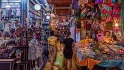A Bangkok, le marché de Chatuchak est une ville dans la ville