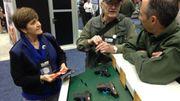 Présentation de différents modèles de revolver au salon de la NRA