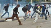 Élection invalidée au Kenya: la police tire des gaz lacrymogènes sur les partisans de Kenyatta