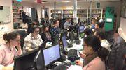 Voici le call center d'Alloprof à Montréal. Les enseignants répondent aux appels et aux SMS d'élèves de tout le Québec.