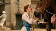 """""""La Belle et la Bête"""": Emma Watson offre une nouvelle démonstration de ses talents de chanteuse"""
