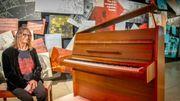 """Le piano d'""""Imagine"""" exposé au public"""