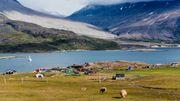 Les Groenlandais vivent avec la nature, la chasse, la pêche et l'élevage... bien loin de nos grands supermarchés.