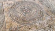 Uzès: une mosaïque romaine transférée temporairement vers Nîmes sur fond de controverse