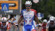 Démare s'adjuge la dixième étape du Giro devant Viviani, lourde chute d'Ackermann