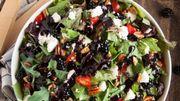 Recette de Candice : Salade d'épinards et de mûres à la feta, vinaigrette crémeuse aux graines de pavot