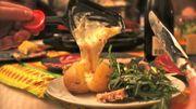 La raclette, ce repas que tout le monde adore mais tellement gras !