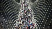 Chine: la passerelle de verre la plus longue du monde déjà fermée