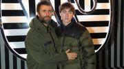 Liam Gallagher joue avec son fils