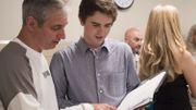 """Freddie Highmore dévoile un nouveau talent dans """"Good Doctor""""..."""