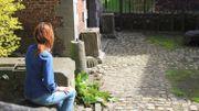 Ariane, assise dans le jardin du musée des Beaux-Arts de Mons